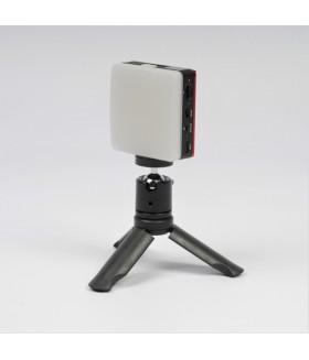 Компактный накамерный светодиодный осветитель FST SMPL-6