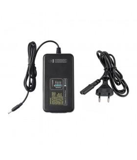 Зарядное устройство Godox C400P для аккумуляторов WB400P